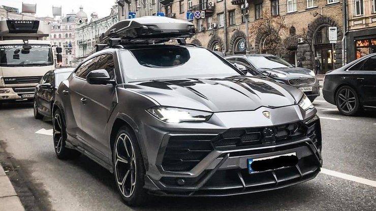 В Киеве заметили редкий внедорожник Lamborghini за 11 миллионов 1