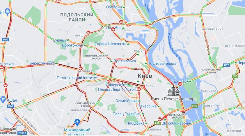 В Киеве ввели оперативное положение на всех маршрутах общественного транспорта 2