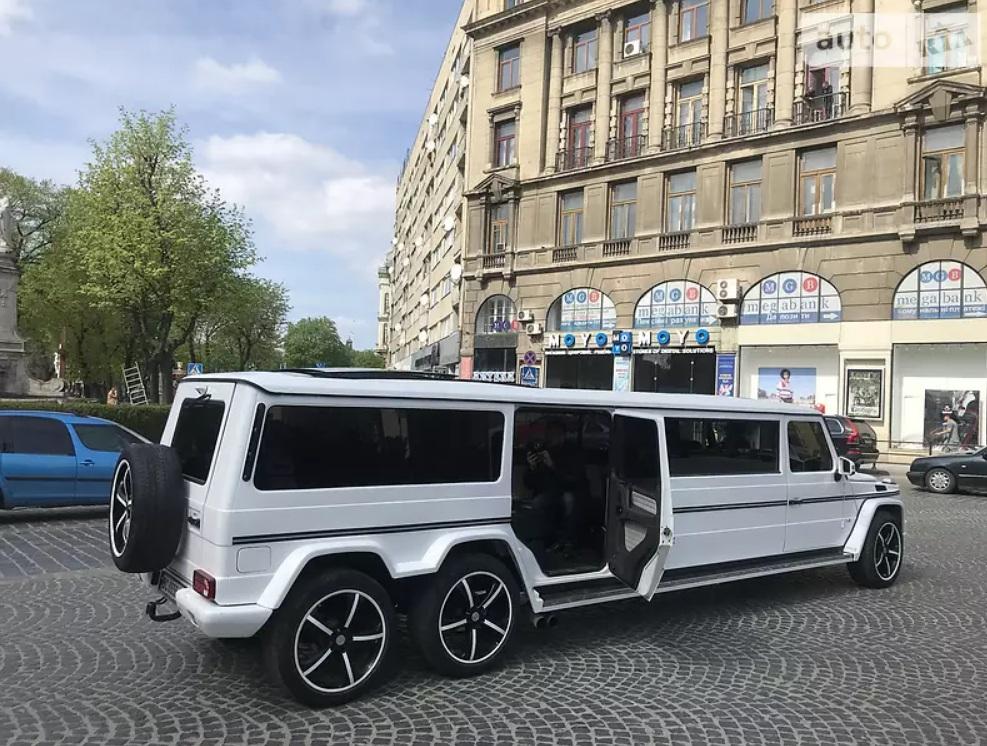 В Украине продают впечатляющий шестиколесный Гелендваген 2
