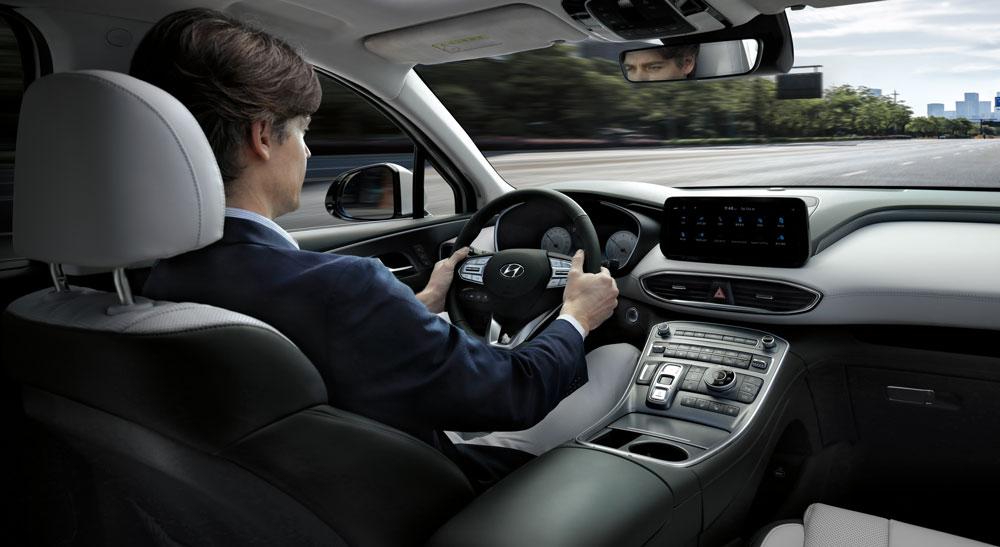 В Украине стартуют продажи обновленного Hyundai Santa Fe 2