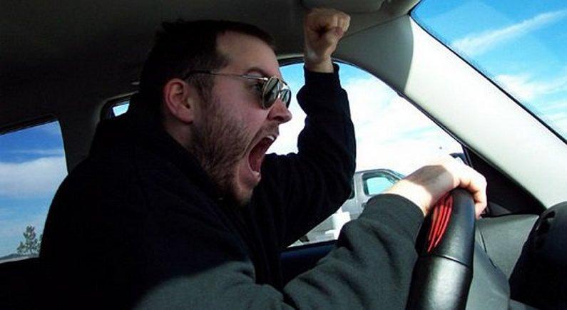 Испанцы все чаще садятся за руль «под кайфом»