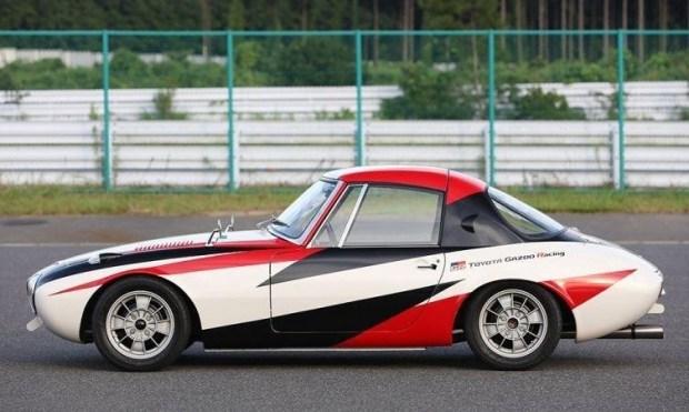 Toyota восстановила древнейший спорткар 2