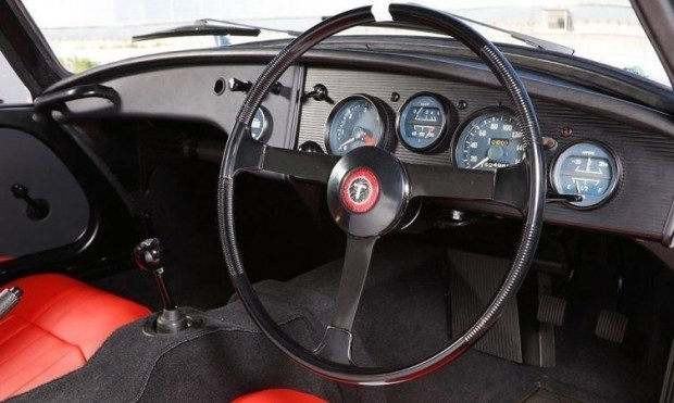 Toyota восстановила древнейший спорткар 3
