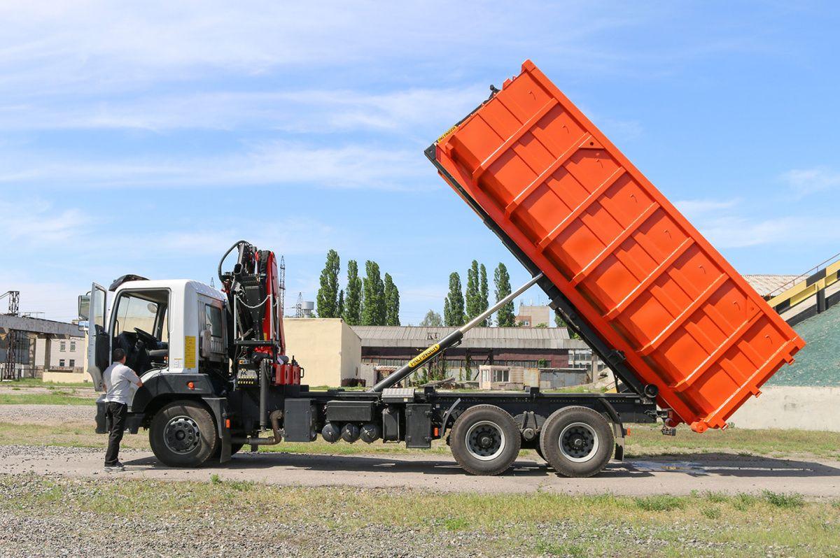 КрАЗ представил новый мусоровоз 1