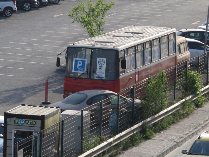 Автобусу «Икарус» нашли необычное применение 1