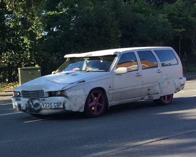 Из старого Volvo сделали нечто несуразное 1