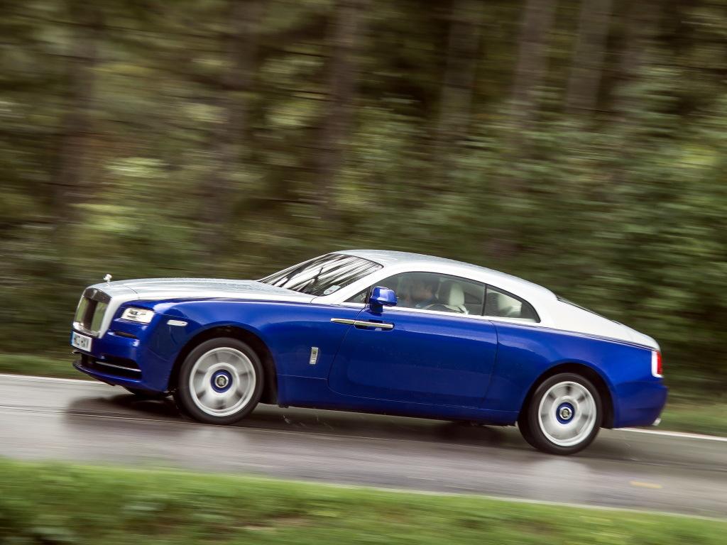 74-летняя свекровь таможенницы купила Rolls-Royce за $440 000 1