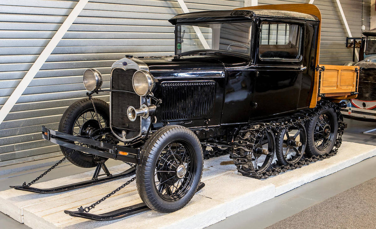 Коллекционер всю жизнь скупал старые редкие «Форды», а их распродали 1