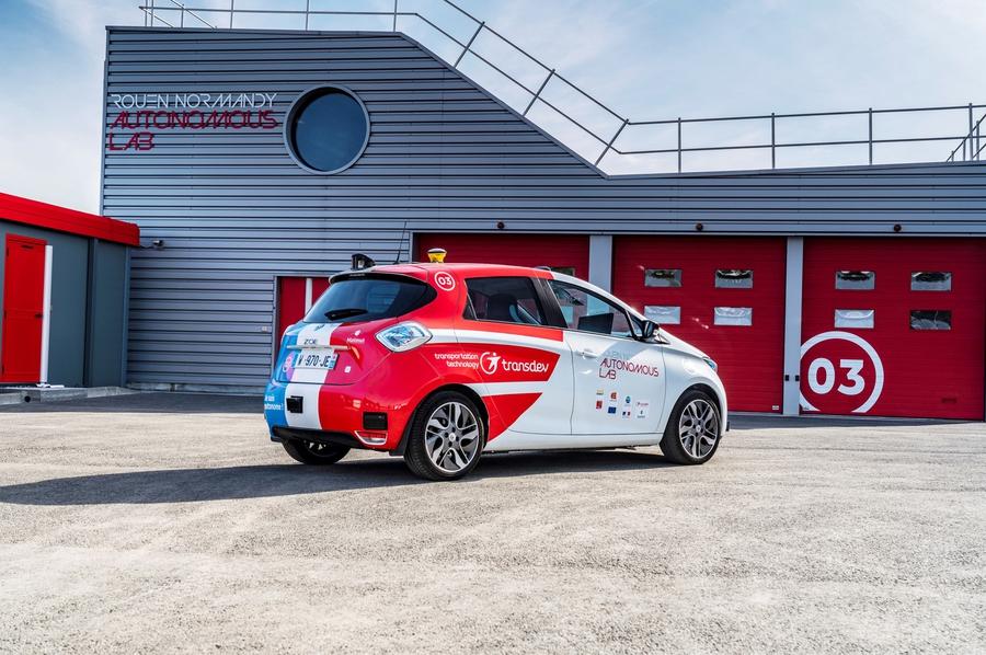Компания Renault тестирует автономные такси 3
