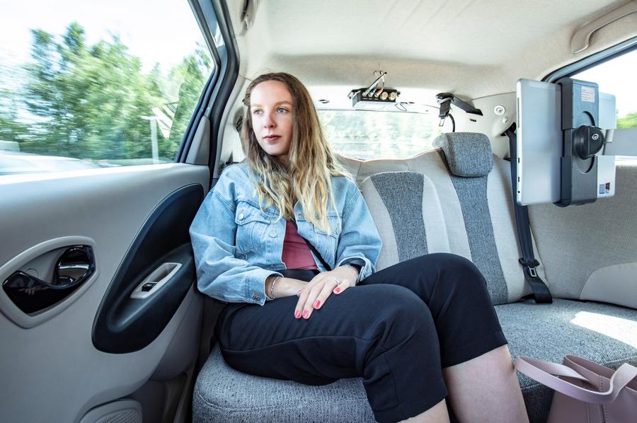 Компания Renault тестирует автономные такси 1