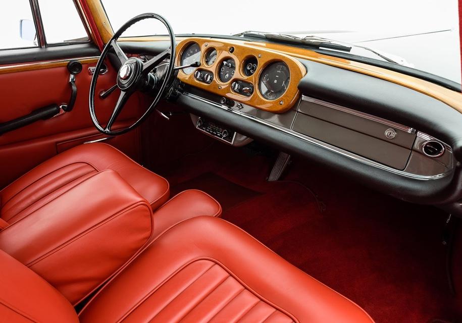 На продажу выставили универсал Bentley c кузовом Mercedes-Benz 3