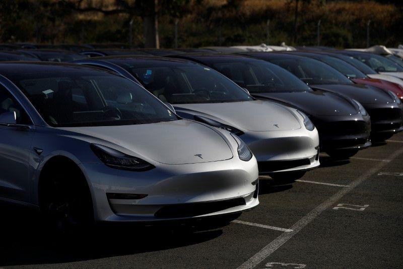Почему Tesla затягивает продажи Model 3 1