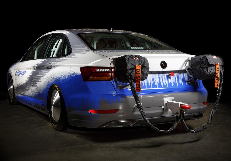Volkswagen Jetta попытается установить рекорд скорости 2