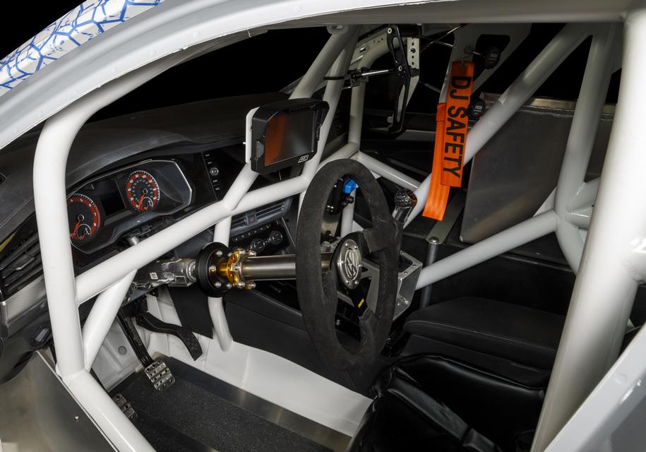 Volkswagen Jetta попытается установить рекорд скорости 3