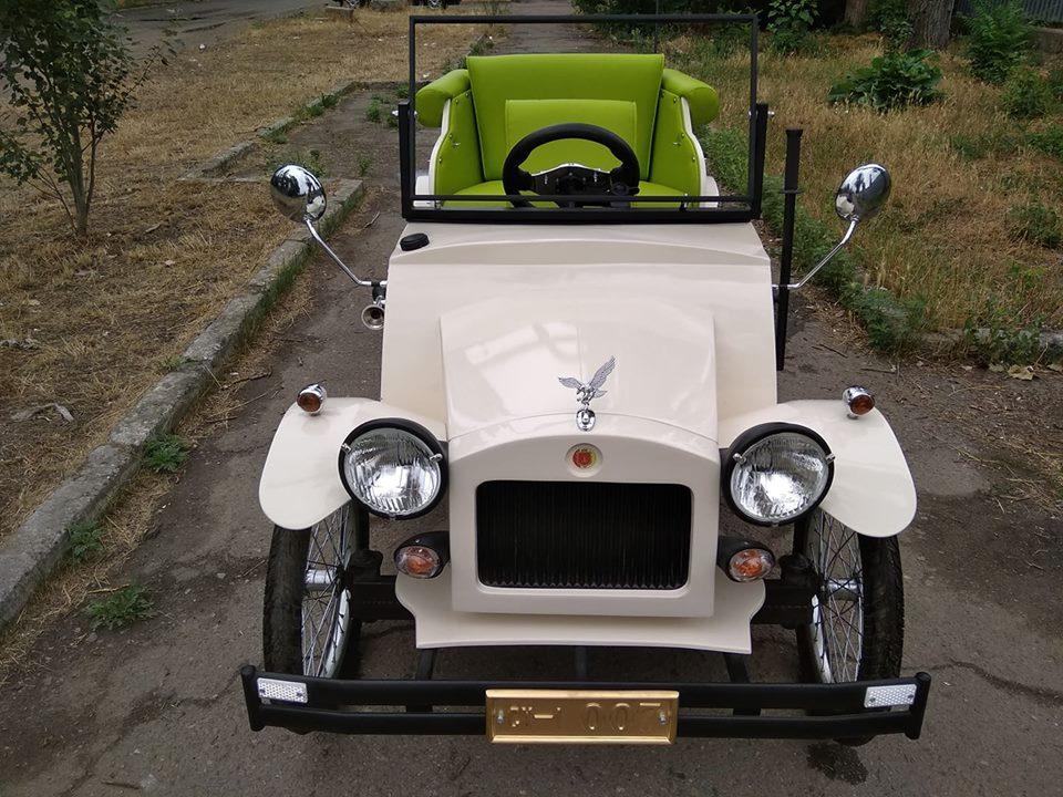 Одессит превратил легендарный автомобиль из «Золотого теленка» в электромобиль 1