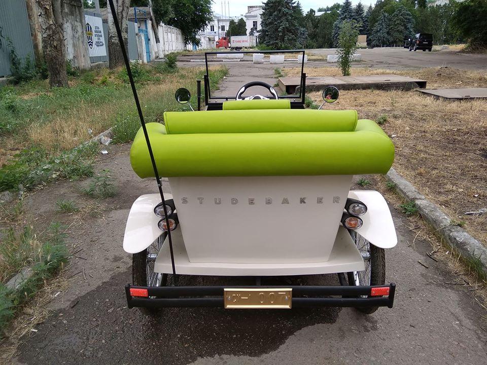 Одессит превратил легендарный автомобиль из «Золотого теленка» в электромобиль 4