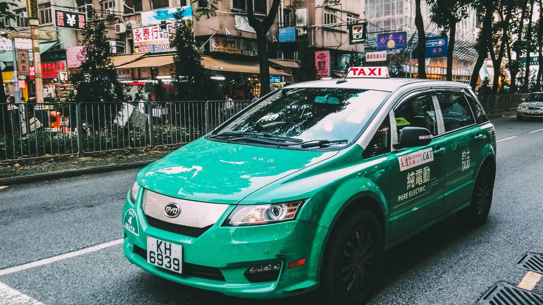 Подвыпивший китаец случайно заплатил за такси в 100 раз больше 1