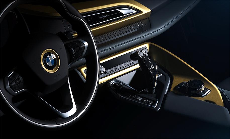BMW i3 и i8 покрыли 24-каратным золотом 2