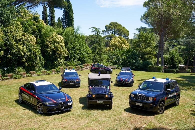 Итальянские карабинеры обзавелись Jeep Wrangler 4