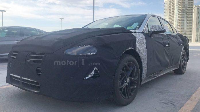Новая Hyundai Sonata замечена во время дорожных тестов 1