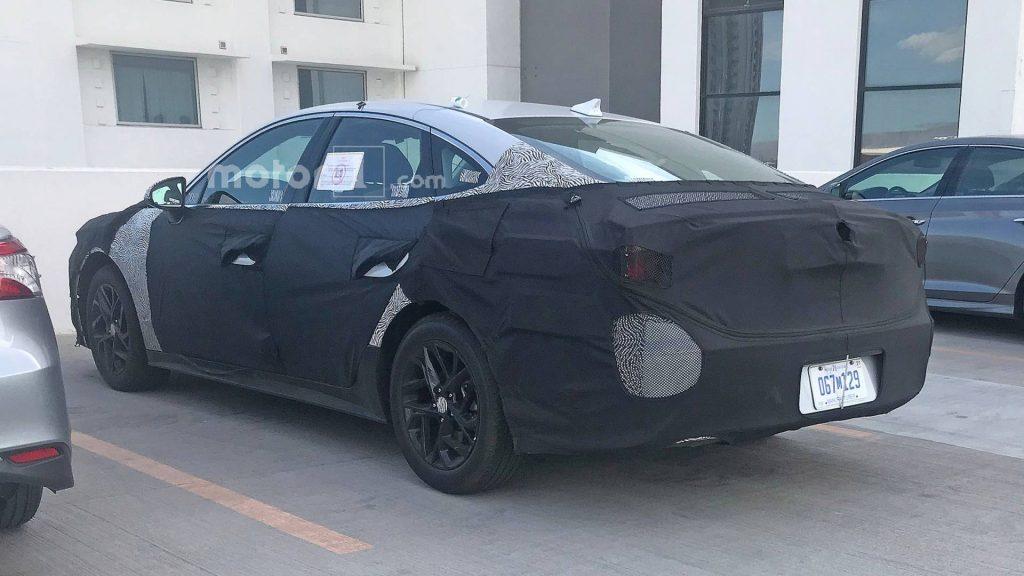 Новая Hyundai Sonata замечена во время дорожных тестов 2