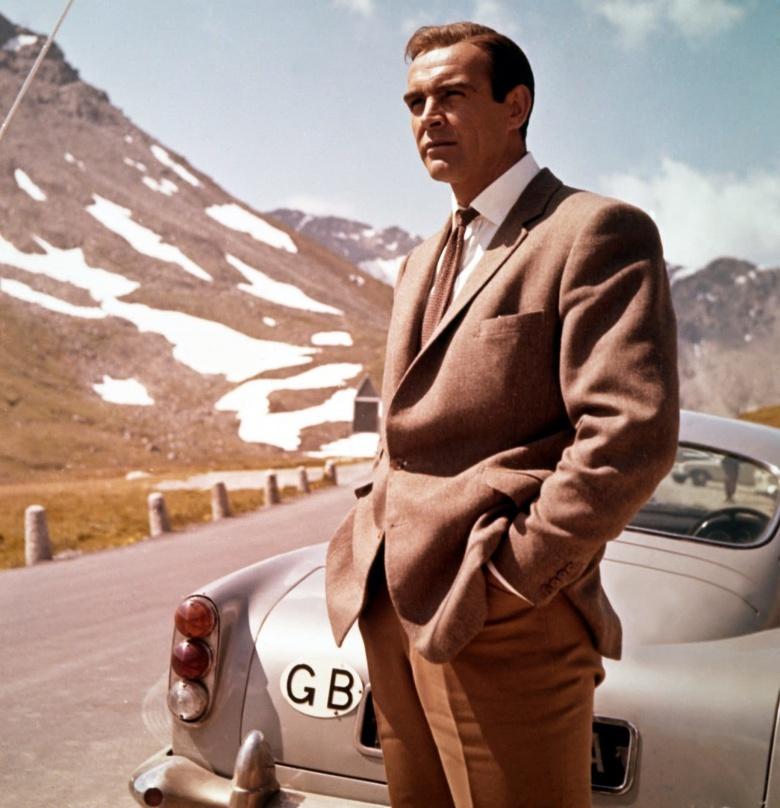 Разыскивается похищенный Aston Martin Джеймса Бонда 1