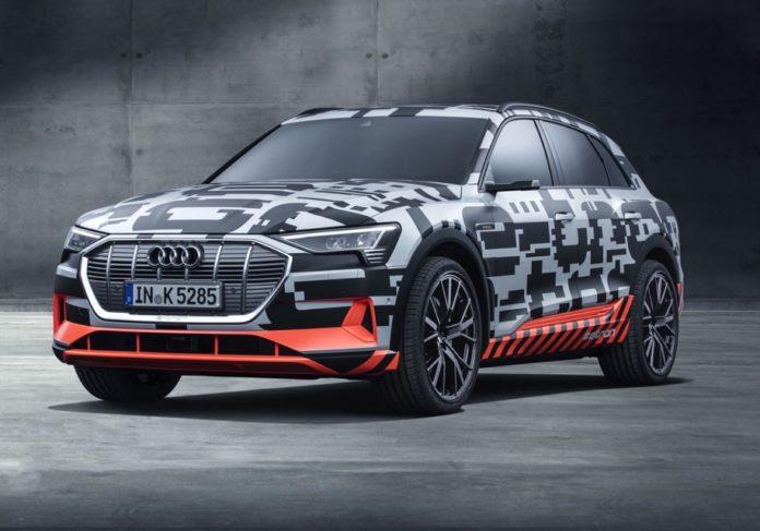 Компания Audi отложила премьеру первого электрического кроссовера 1