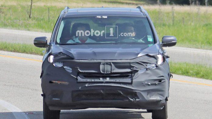 Honda Pilot после обновления получит гибридную версию 1