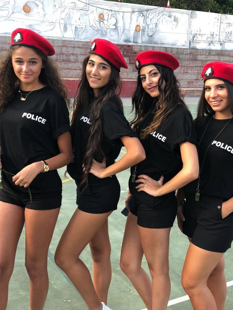 Девушек-полицейских в Ливане заставили одеваться сексуальнее 1