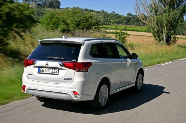 Гибриду Mitsubishi Outlander PHEV увеличили запас хода 2