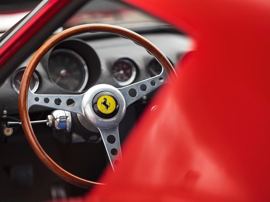 Гоночный Ferrari продают за 45 миллионов долларов 3