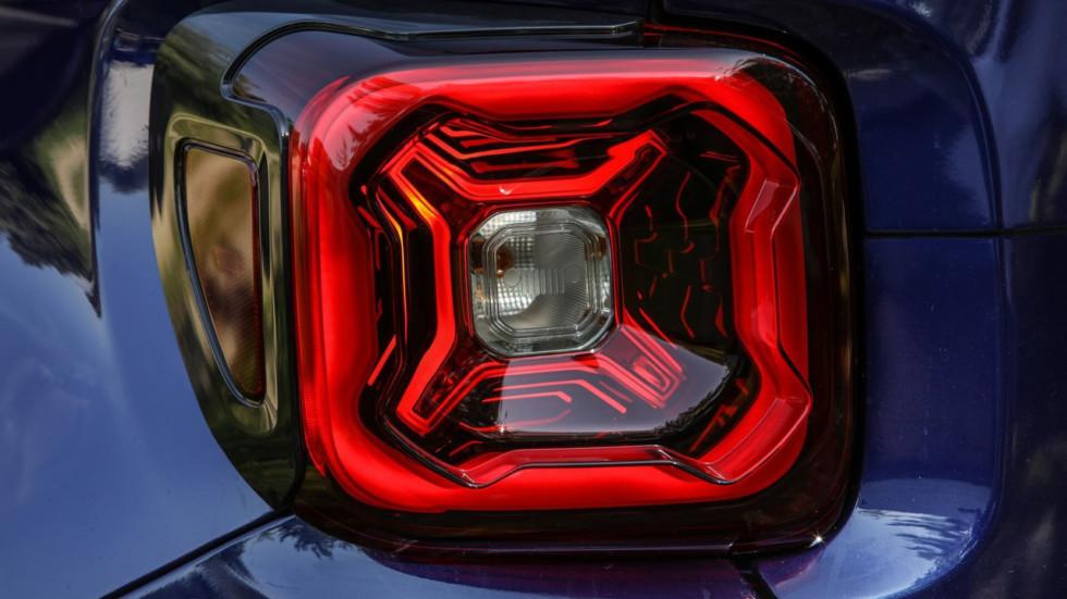 Jeep представит обновленный Renegade 1