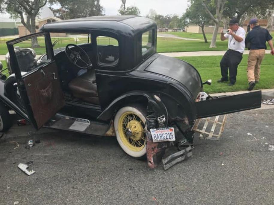 Водитель «Тойоты» по невнимательности разбил раритетный «Форд» 1931 года 2