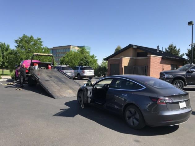 Tesla Model 3 проехала 1000 км на одном заряде и «умерла» 1