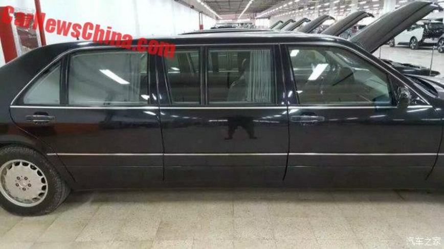 Китайские власти выставили на торги 8 лимузинов W140 Mercedes-Benz Pullman 2