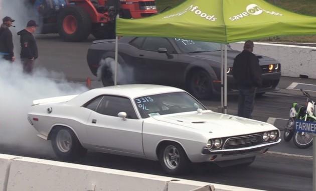 Dodge Challenger 1972 года сошелся в гонке с современным Dodge Demon 1