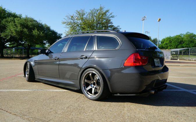 Самый мощный универсал BMW выставили на торги 2