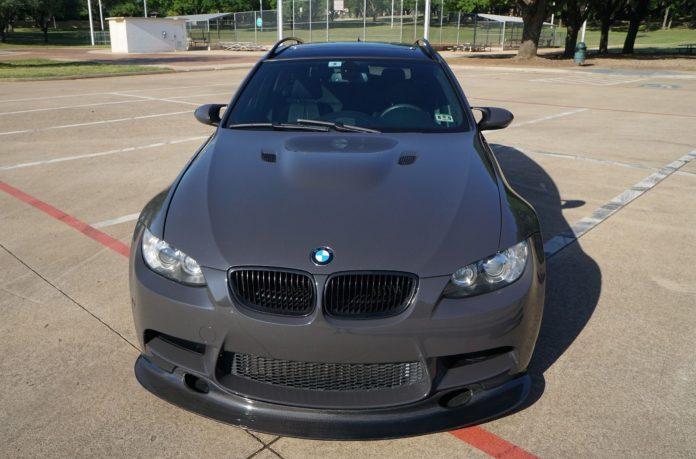 Самый мощный универсал BMW выставили на торги 1