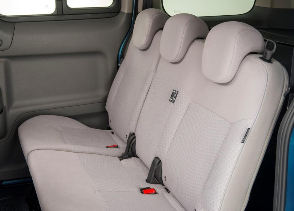 Стартовали поставки нового электрического минивэна Nissan e-NV200 2