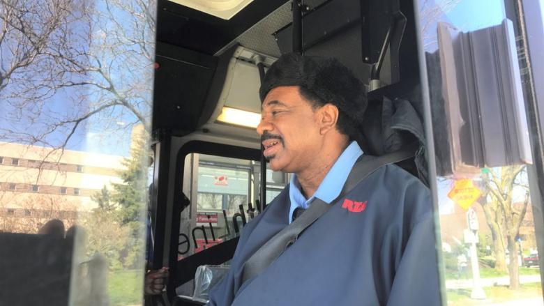 В США найден идеальный водитель автобуса 1