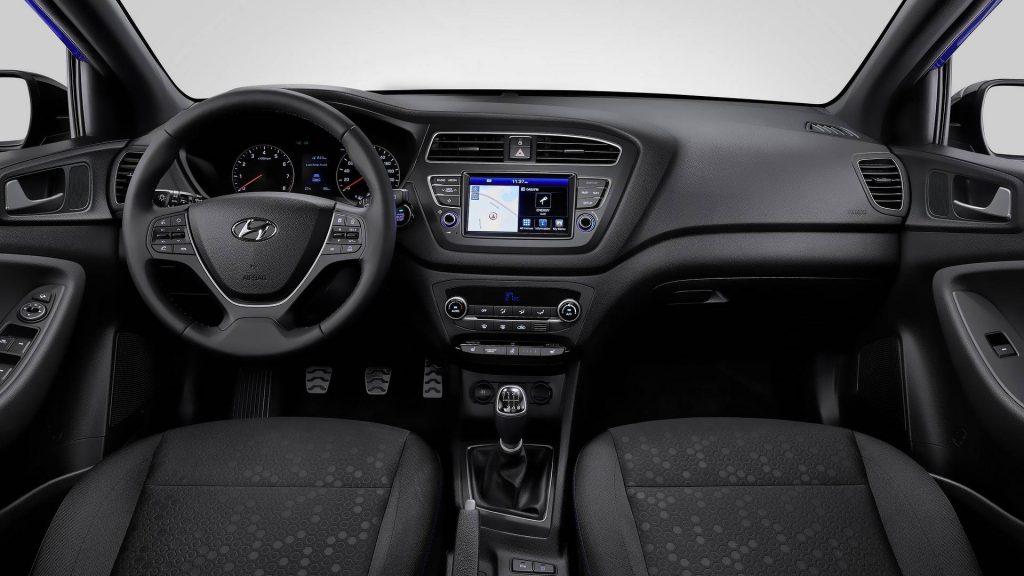 Hyundai i20 стал красивей и технологичней 2