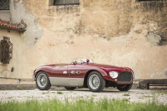 Уникальный Ferrari с 4-хцилиндровым двигателем выставили на торги 1