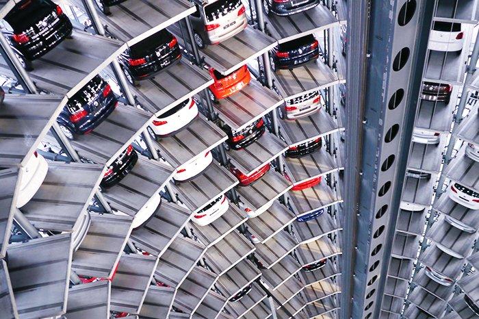 Автомобили «научатся» самостоятельно парковаться 1