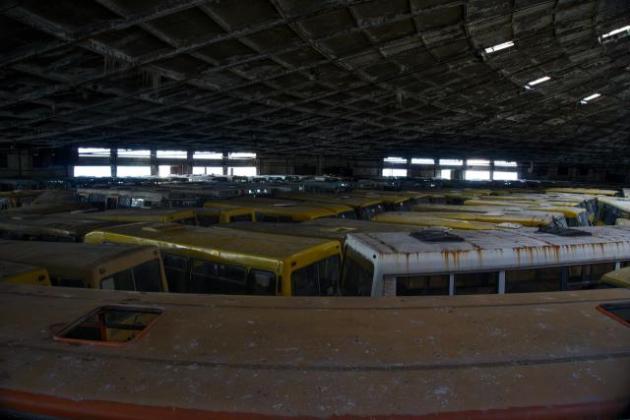 Украинцам показали «кладбище» общественного транспорта 1