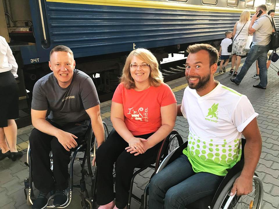 ОККО помогает людям с особыми потребностями путешествовать по Украине 1