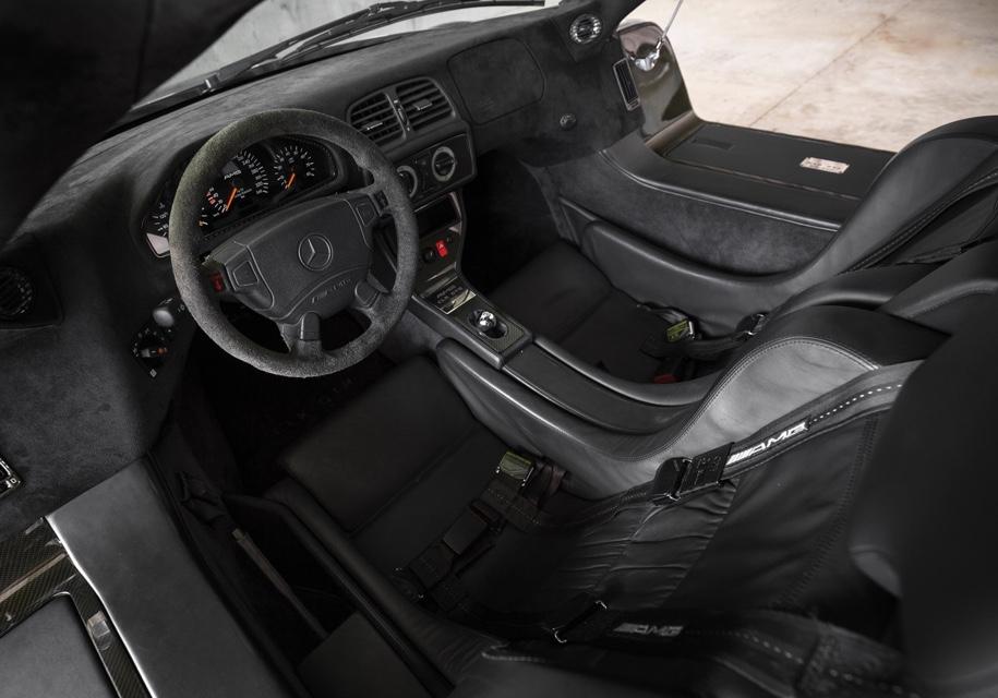 Дорожный спортпрототип Mercedes-Benz AMG CLK GTR выставят на торги 3