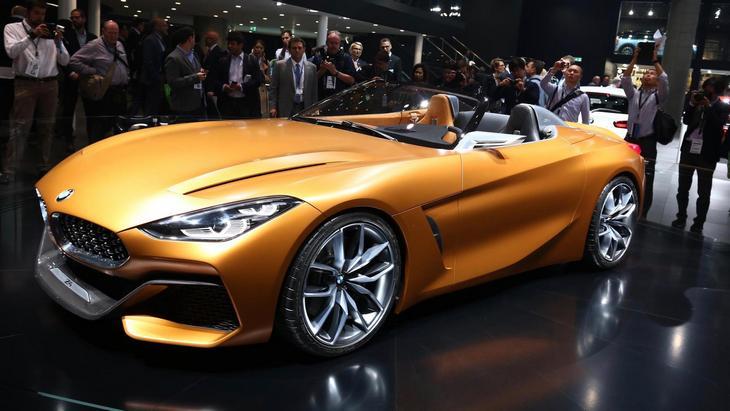 BMW презентует новый родстер Z4 1