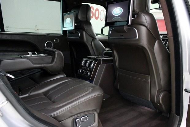 Ким Кардашьян за рекордное время продала дорогостоящий автомобиль Range Rover 2