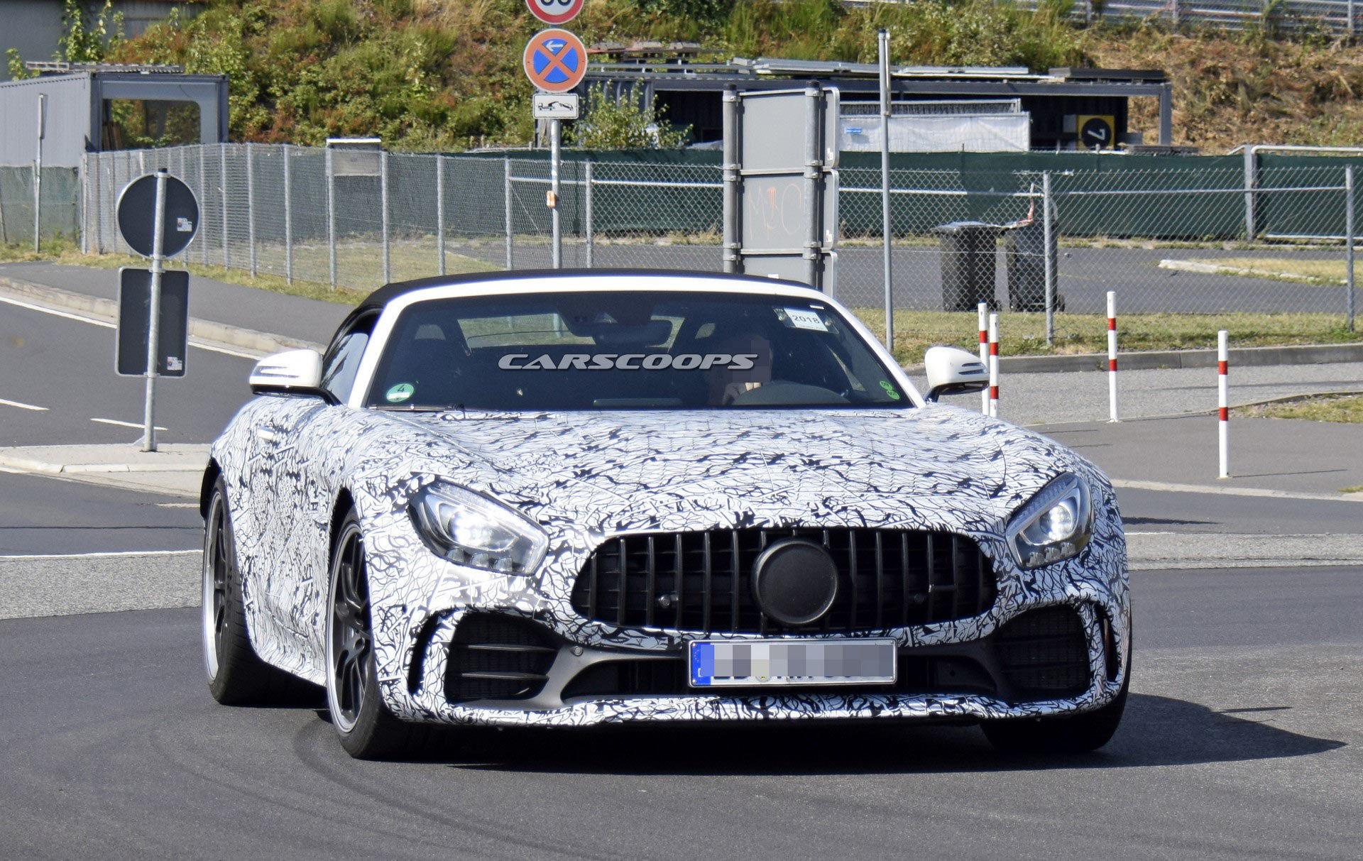 Mercedes-Benz готовит мощный спортивный родстер 1