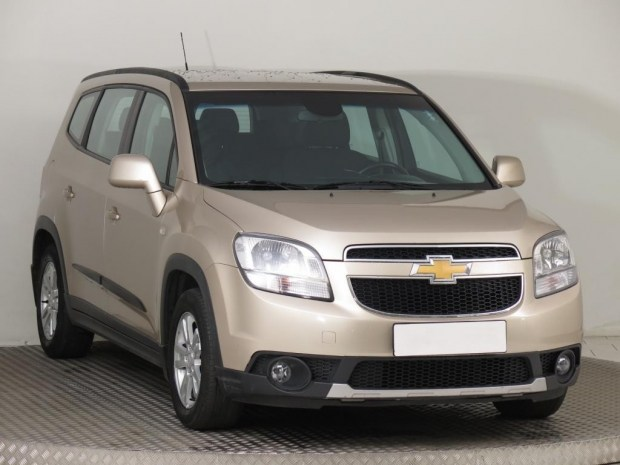 Новый Chevrolet Orlando приехал на моторшоу в Чэнду 1